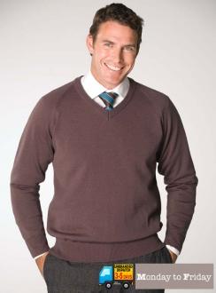 Men's Long Sleeve V-Neck Pullover